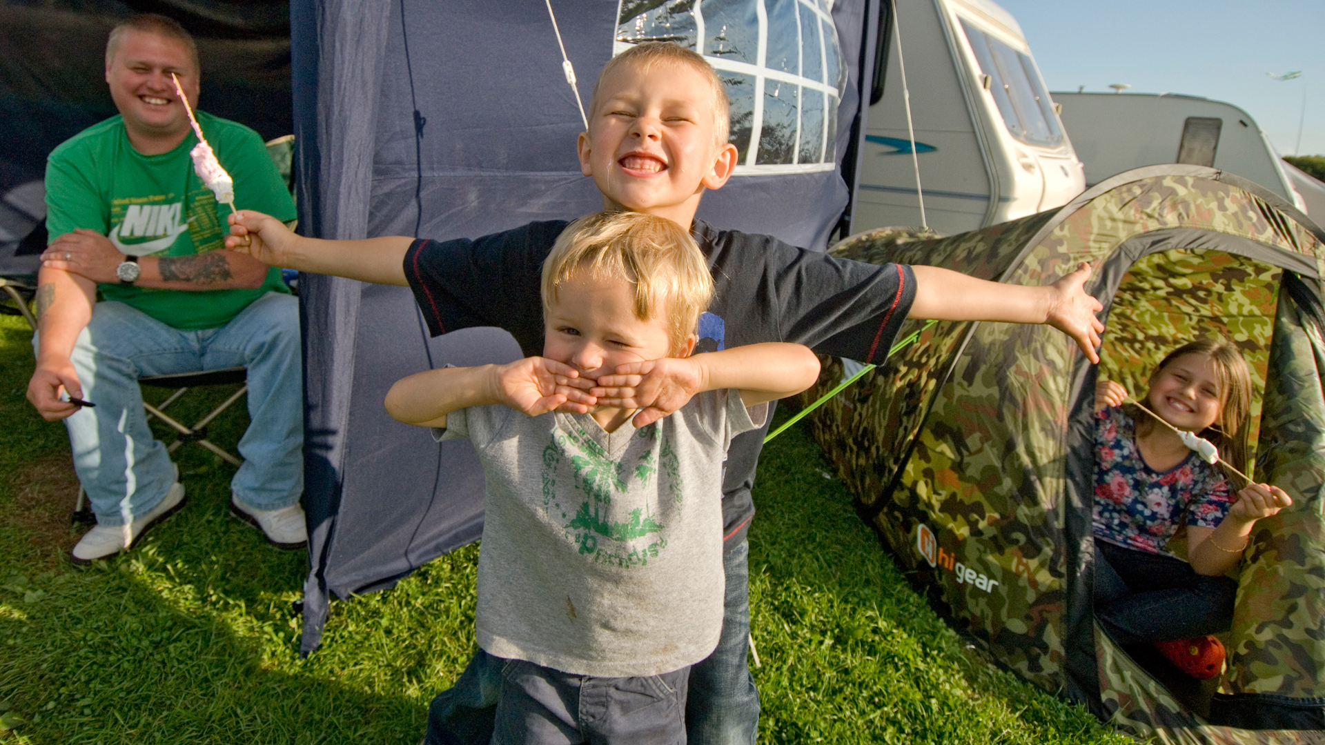 Family camping in Devon
