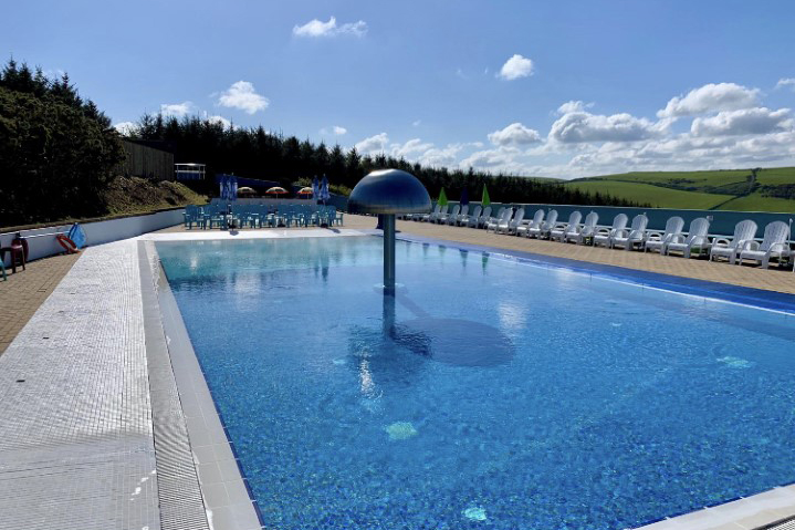 Outdoor pool at Woolacombe Bay